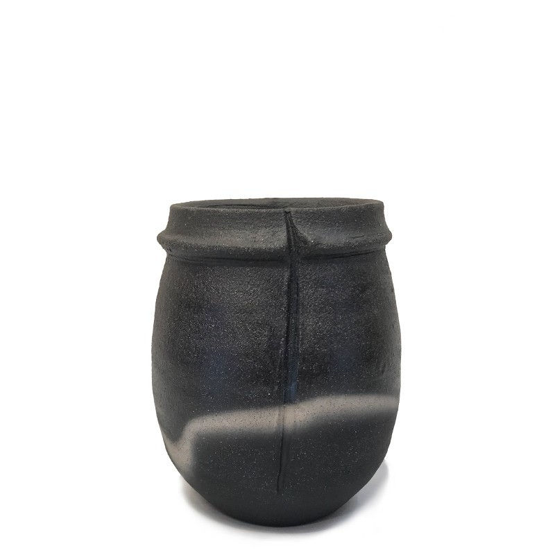 JL7 - Black Mood Vase